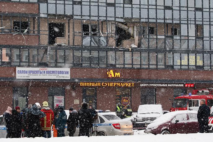 09.02.18 — В жилом доме на севере Петербурга взорвался газовый баллон