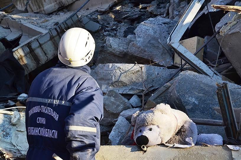 Семьи погибших в качестве оперативной помощи получат по 100 тыс. руб. из областного бюджета, пострадавшие — по 50 тыс. руб.