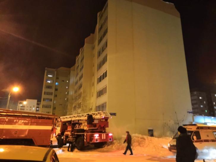 26.01.19 — В Стерлитамаке эвакуировали многоквартирный дом из-за запаха газа. Трагедии удалось избежать.