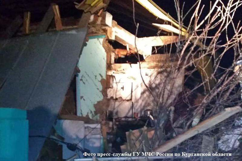 10.01.19 — взрыв газового баллона в частном доме в Курганской области