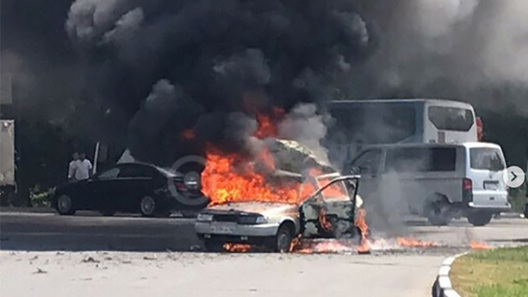 В Подмосковье дотла сгорел автомобиль после хлопка газа