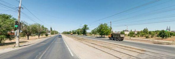10.07.19 — Утечка газа (прорыв) на подземном газопроводе в Волгограде, частично перекрыто движение.