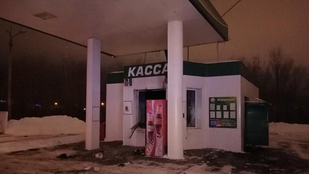 Оператор пострадала в результате хлопка газа на АЗС в Челябинске
