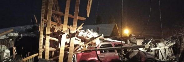 14.01.21 — утечка газа в автомобиле привела к взрыву гаража в Красноярском Крае (Енисейск)